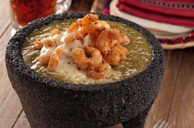 Molcajete-de-camarones-en-salsa-verde